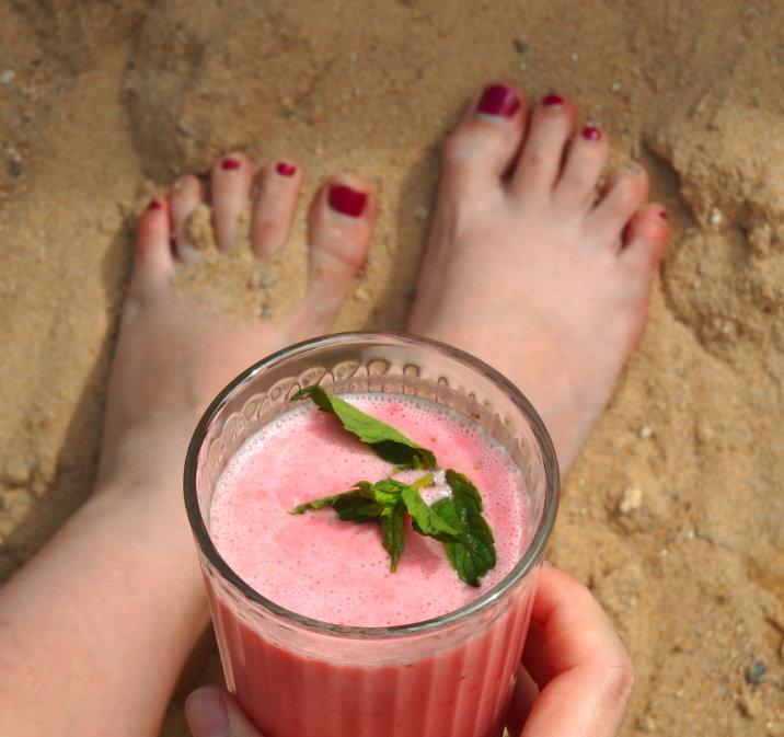 Pláž jahodové lassi