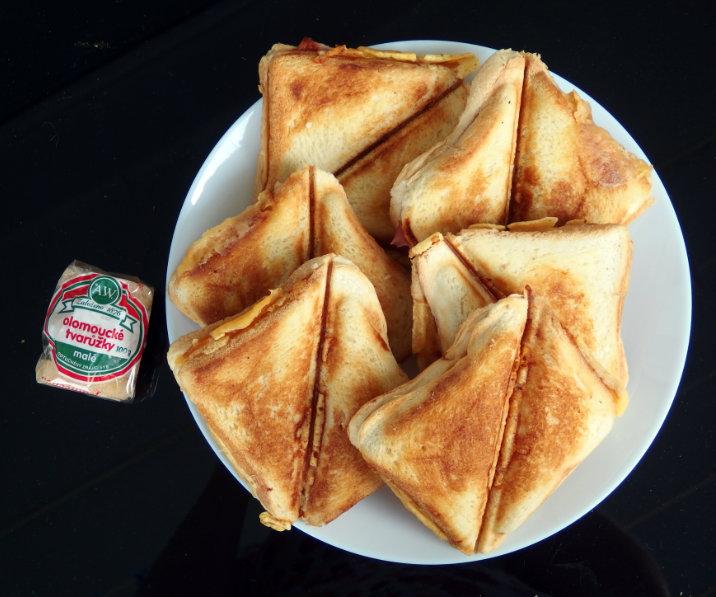 tvarůžky sendviče